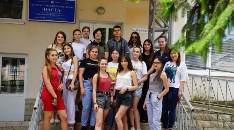 ЕС// Молодые люди вернулись в Шолдэнешть с новыми идеями и планами!